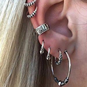 Get 2 earring bundle